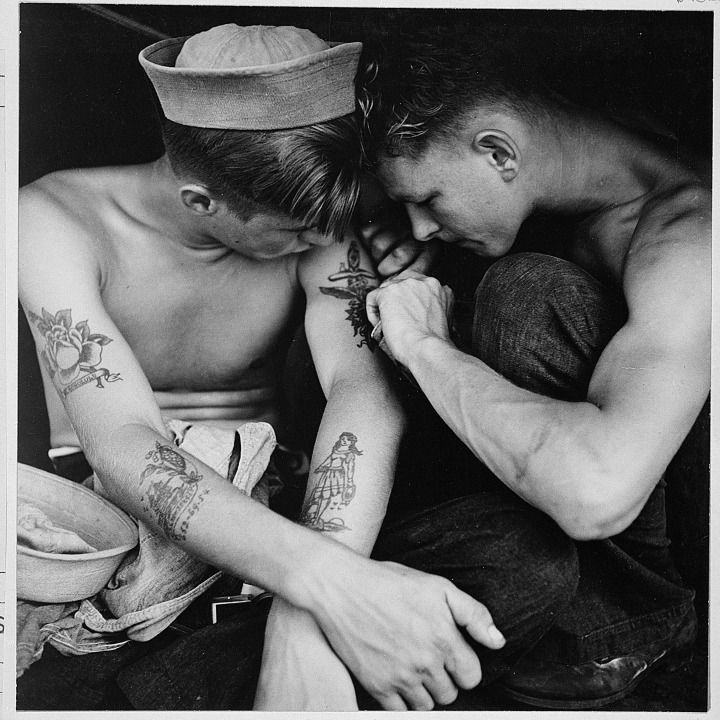 much_tattooed_sailor_aboard_the_uss_new_jersey_-_nara_-_520883