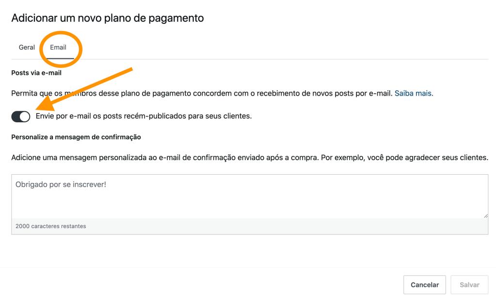 Print da tela de configuração de plano de pagamentos com envio por e-mail indicando onde acionar a configuração. Uma descrição por texto de como fazê-la está logo acima da imagem.